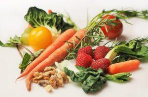 האם צריכה קבועה של ירקות ופירות מקטינה את הסיכוי ללקות בסרטן השד - מחקר בדק