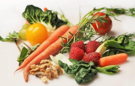 האם צריכה קבועה של ירקות ופירות מקטינה את הסיכוי ללקות בסרטן השד – מחקר בדק